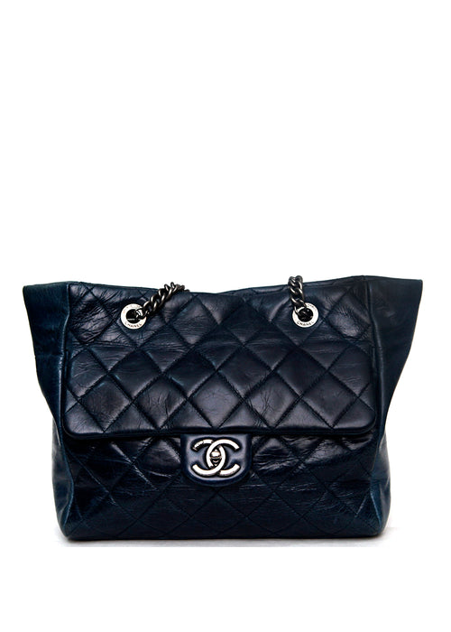 Pre owned original Chanel Blue chained bag front view