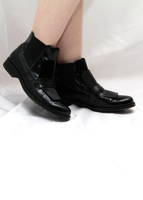 Tod's black leather boots