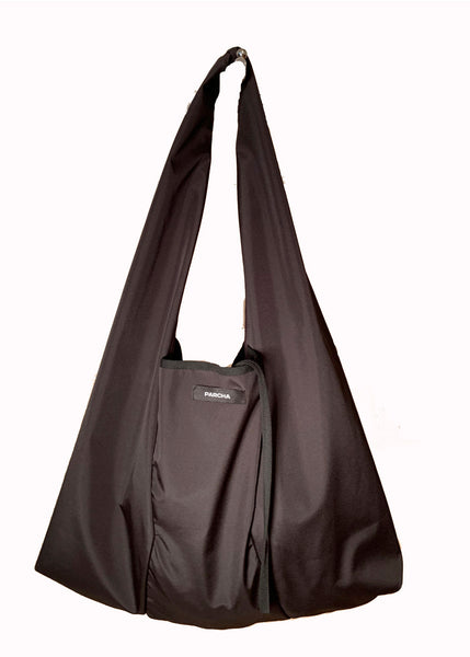 Total black tote bag with pocket