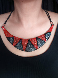 Geometric textured clay choker with danglers