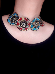 Embroidered fabric choker