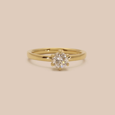 Yellow Gold Classic Diamond Brilliant Cut engagement Ring