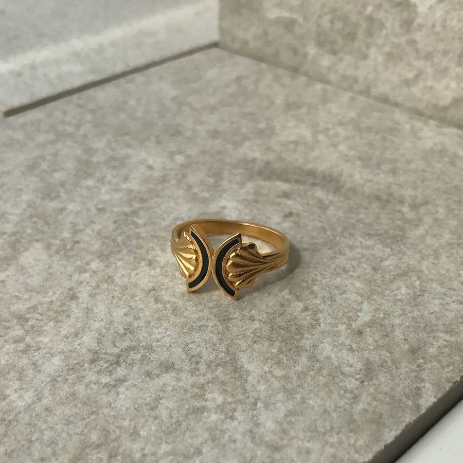 Enamel Pillar Yellow Gold Ring