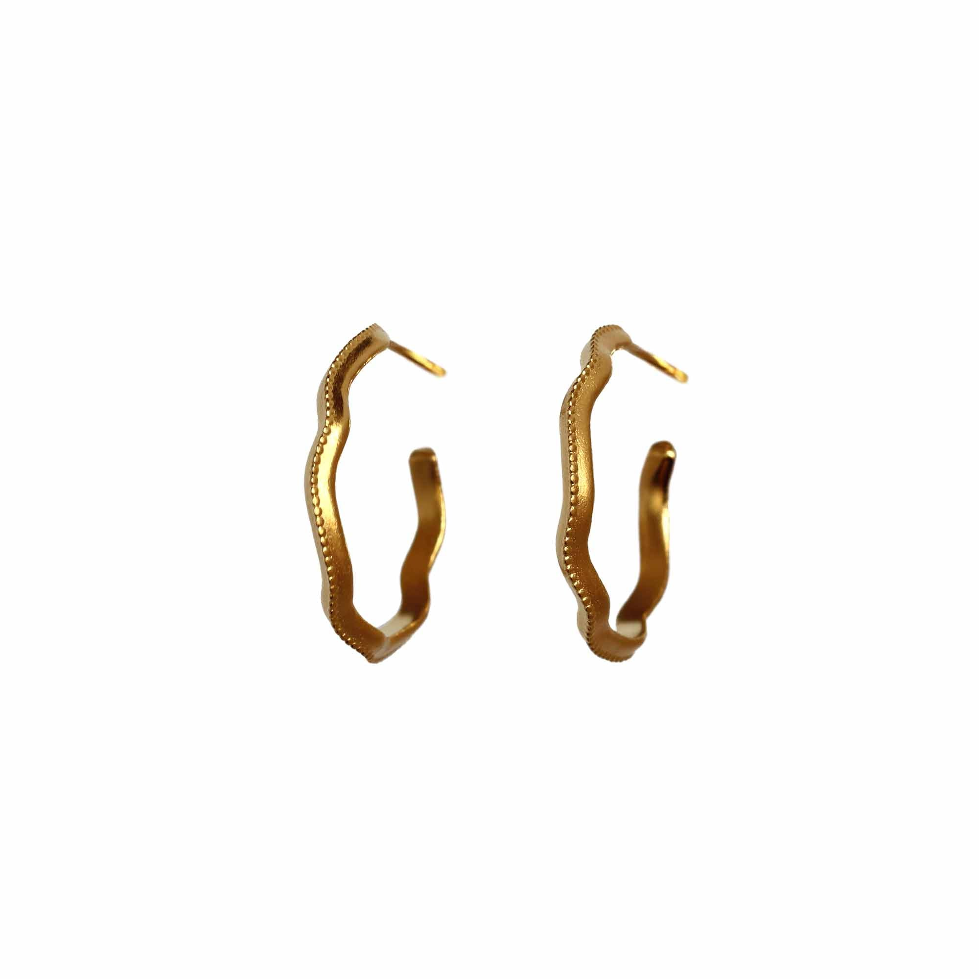Sleepy Wiggle Yellow Gold Hoop Earrings