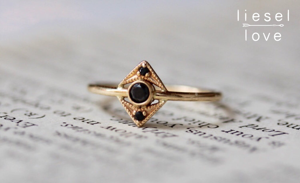 Zelda Ring (Black Diamond)