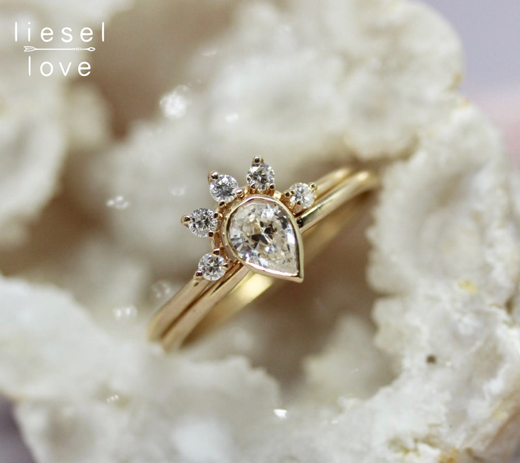 Regal Bridal Ring Set (Diamond)