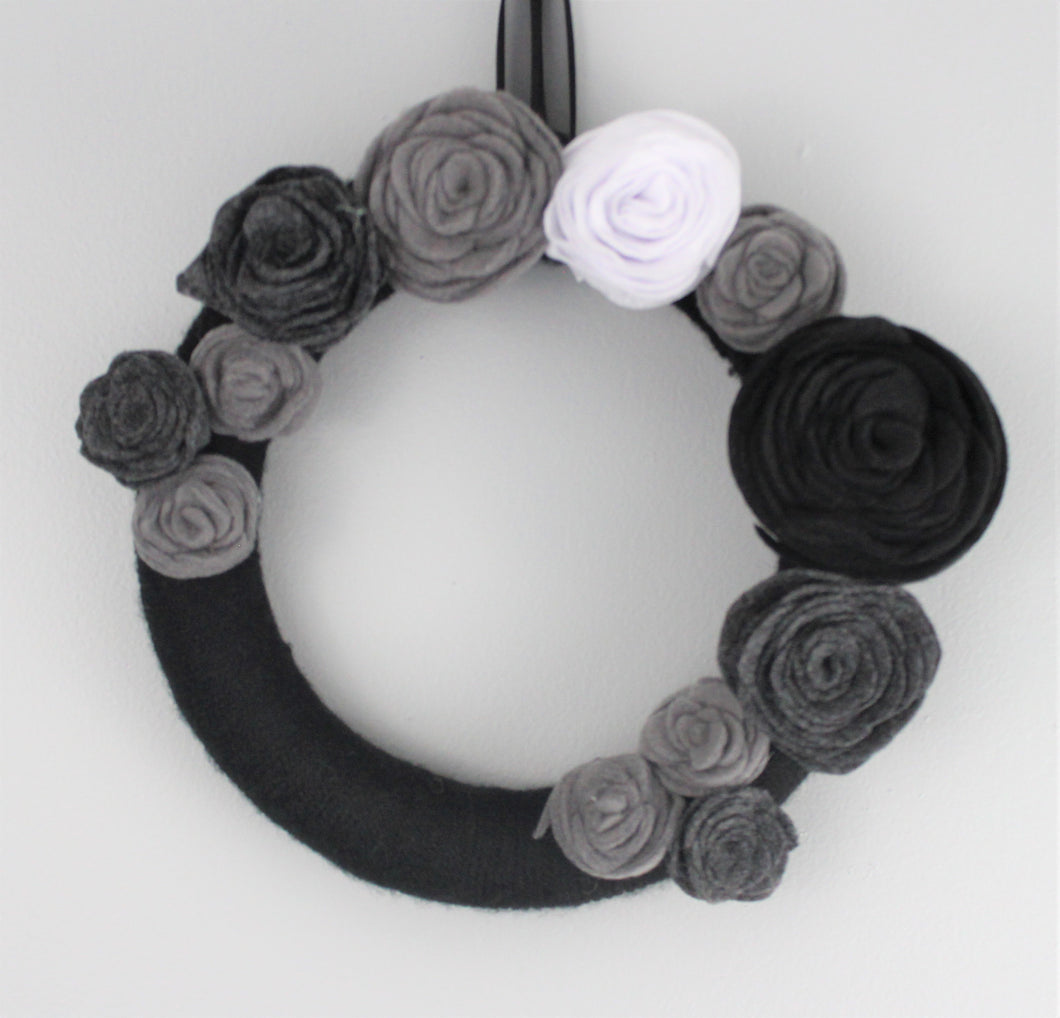 Black White & Gray All Over Wreath