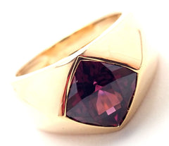 AUTHENTIC CHANEL 18k SOLID GOLD CUSHION CUT AMETHYST RING