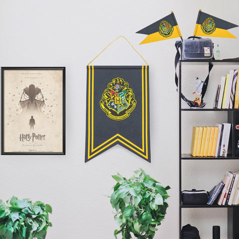 Hogwarts Banner & Flag Set
