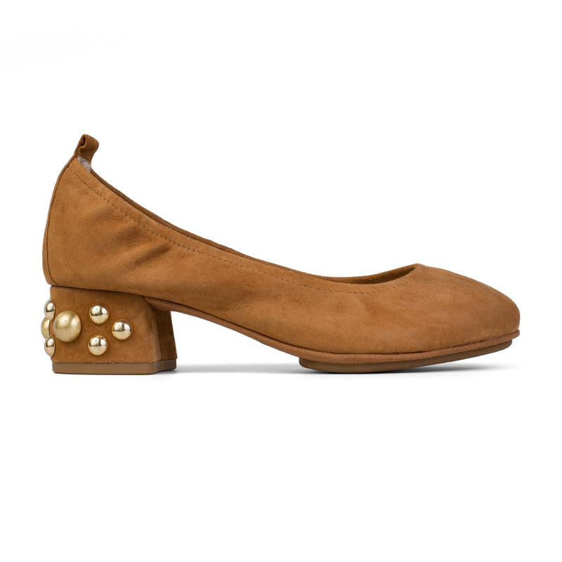 Nadia Bone Brown Stud
