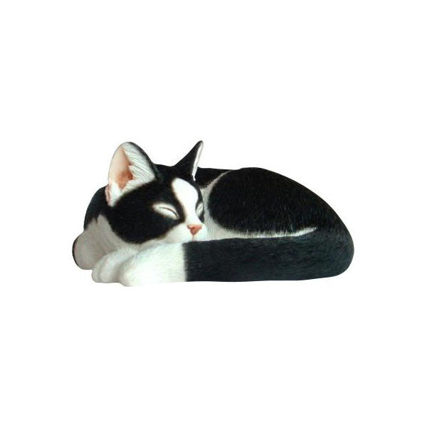 Cat sculpture sleeping Black and white