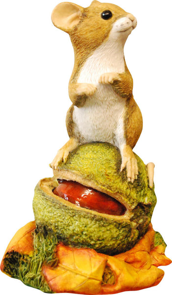 Mouse on Conker by Peakdalesculptures Handpainted Figurine. Free P&P
