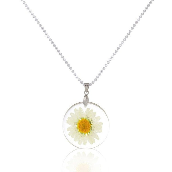 White Daisy Forever Necklace