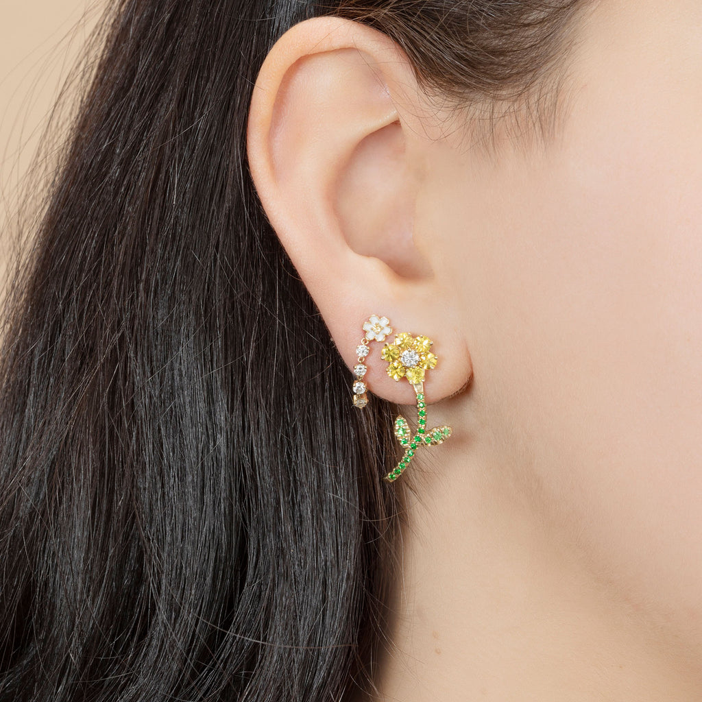 FLOWER AND DIAMOND CHAIN EARRING