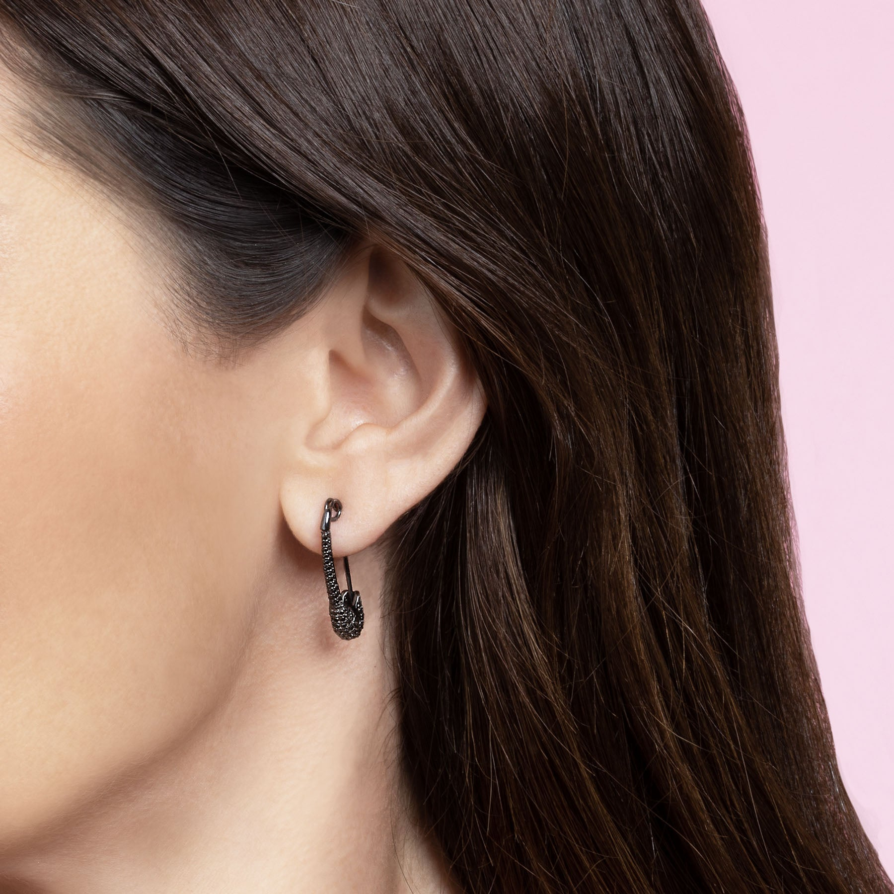 MEDIUM BLACK DIAMOND SAFETY PIN EARRING