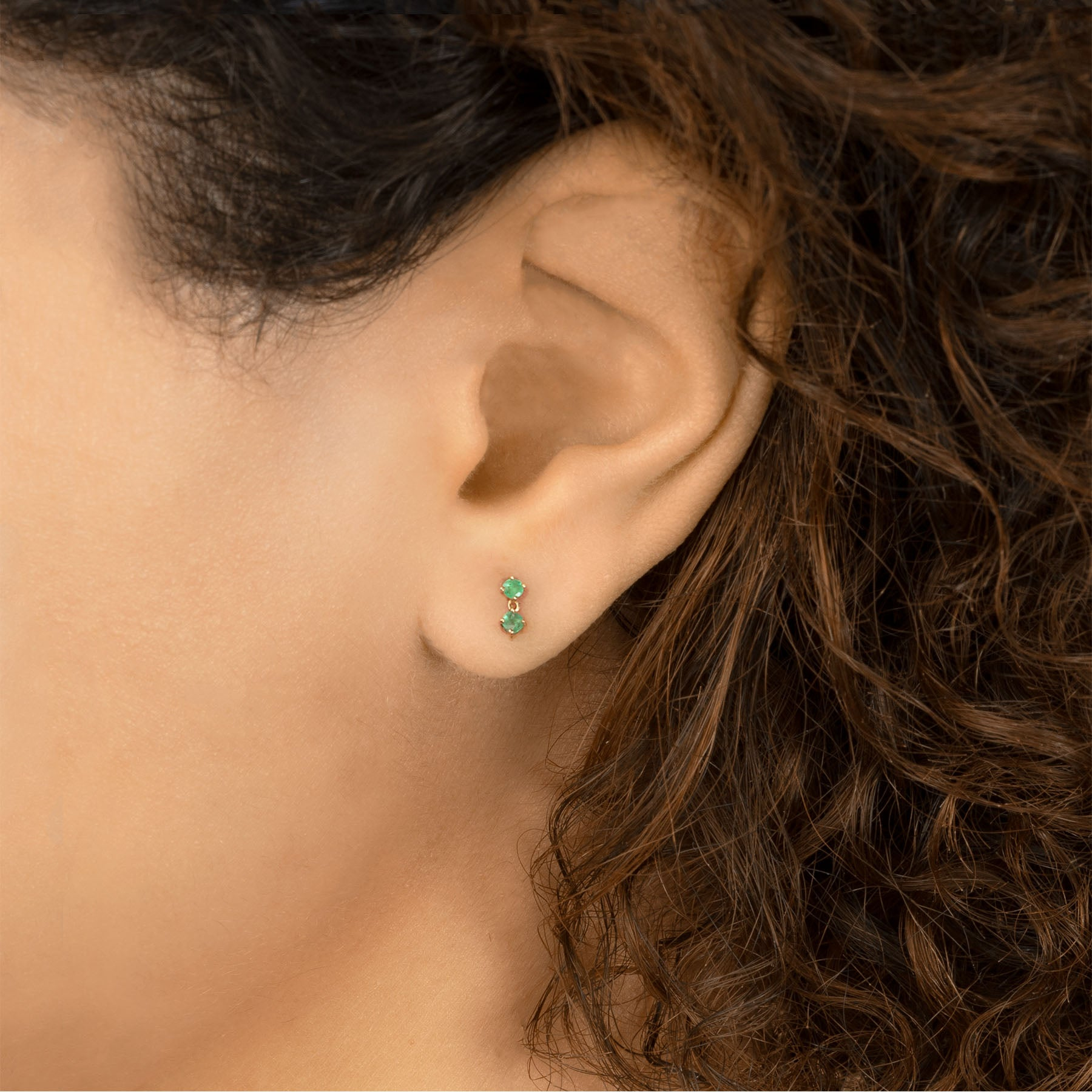 EMERALD DOUBLE DROPLET STUD