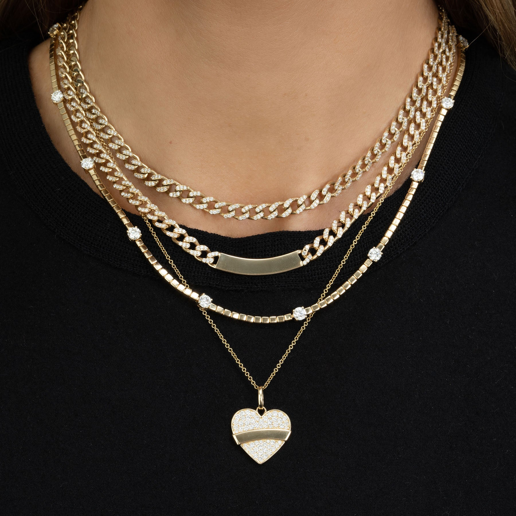 DIAMOND PAVÉ AND GOLD HEART PENDANT