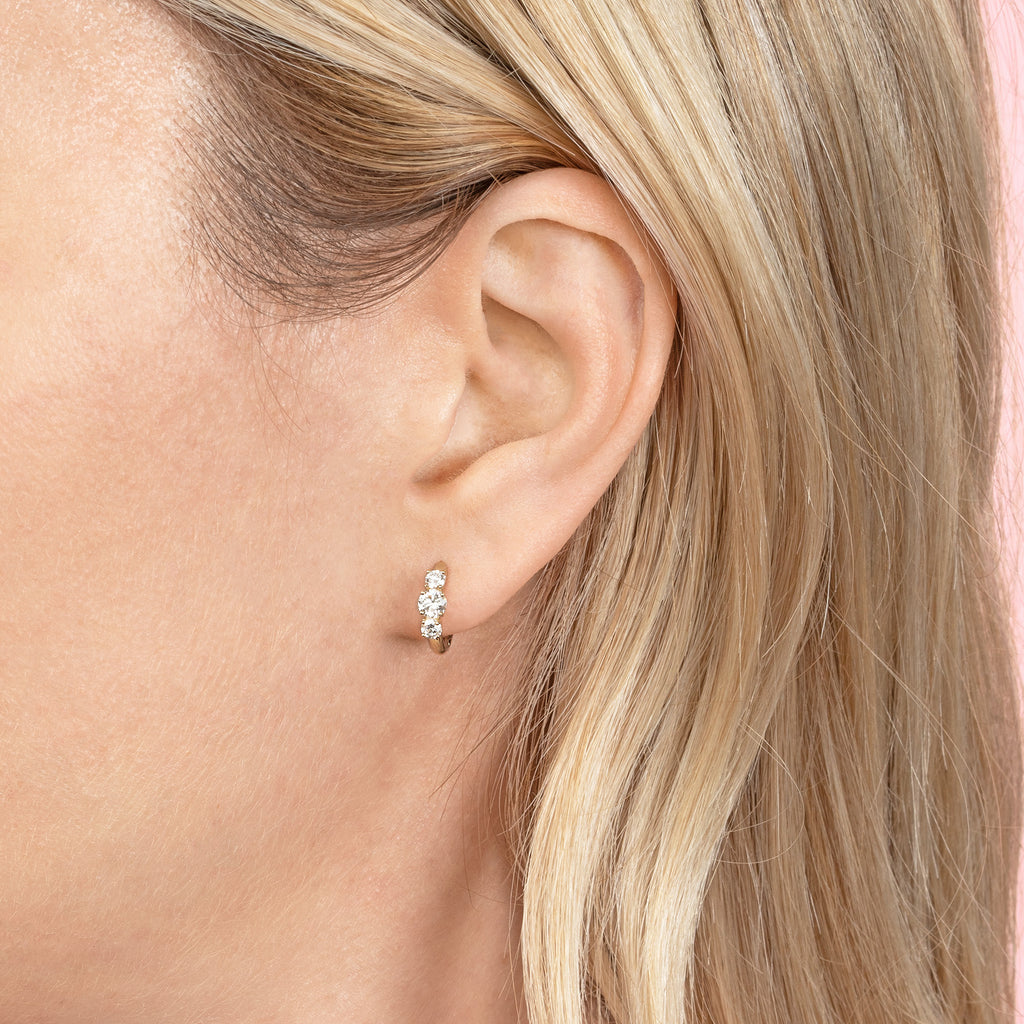 DIAMOND DARLING SLIM HOOP EARRING