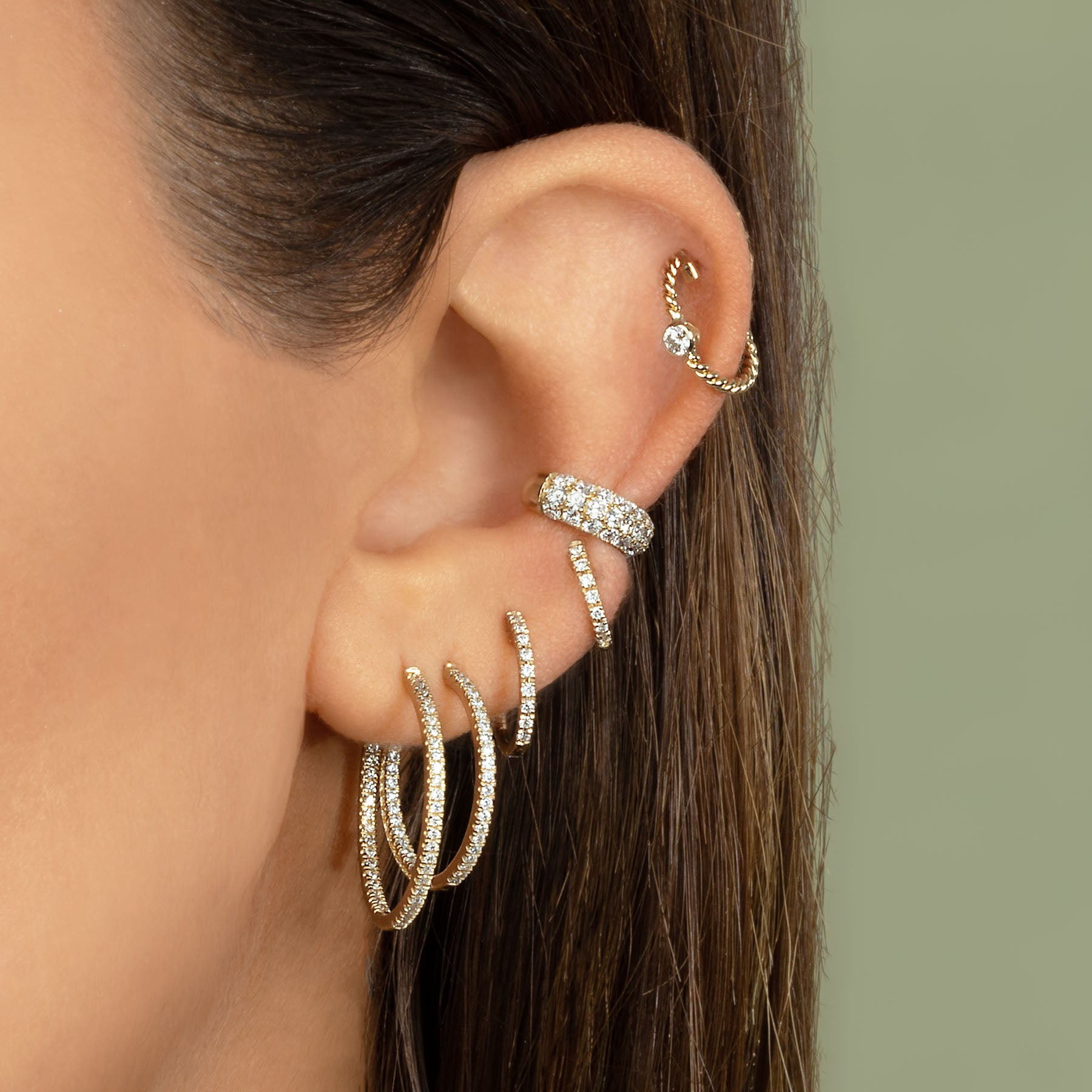 MEDIUM DIAMOND HUGGIE EARRING