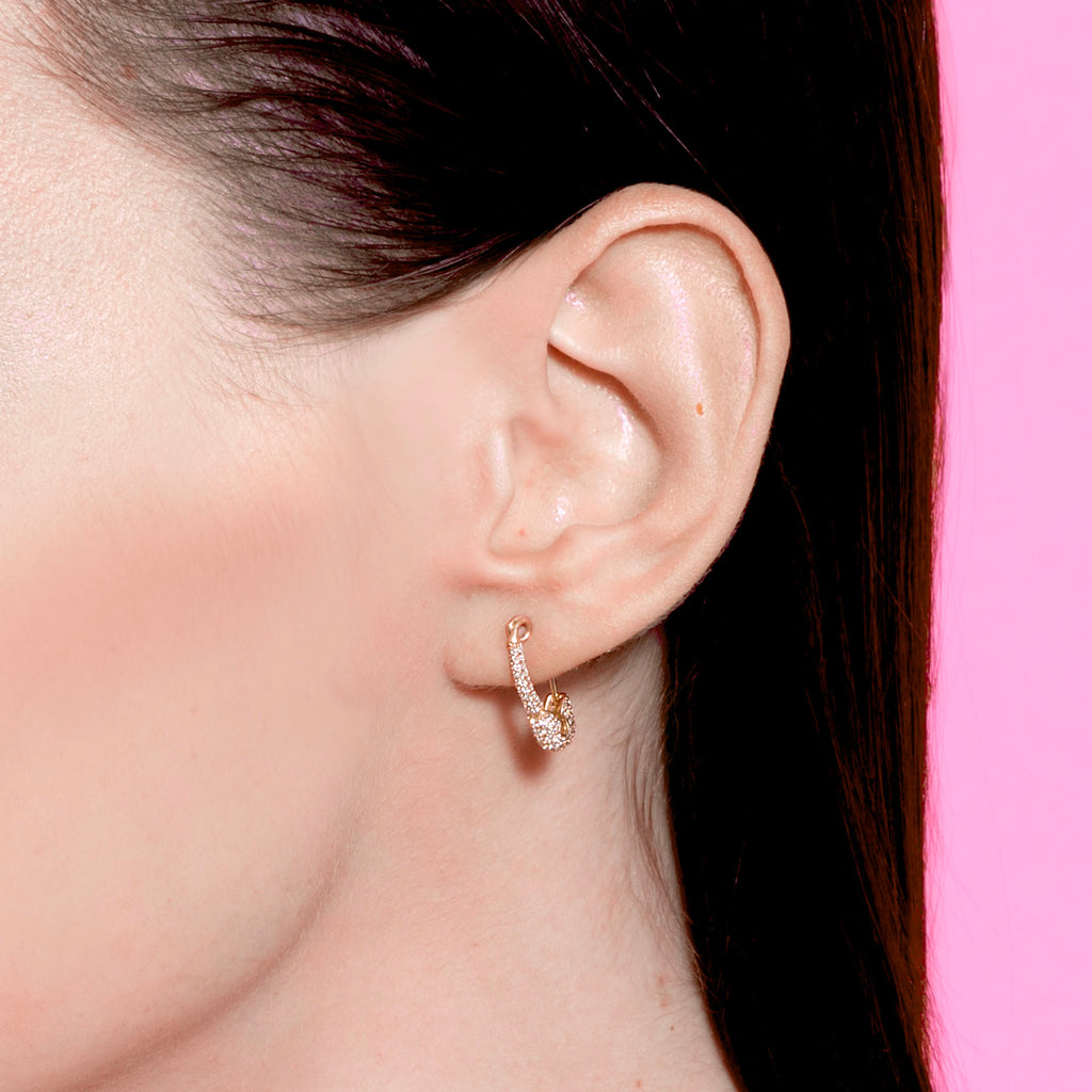 DIAMOND SMALL SAFETY PIN EARRING
