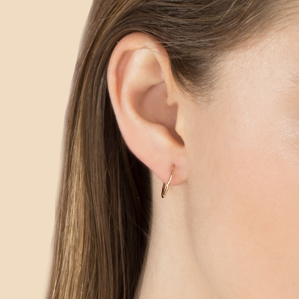 GOLD LARGE SEAMLESS HOOP EARRING