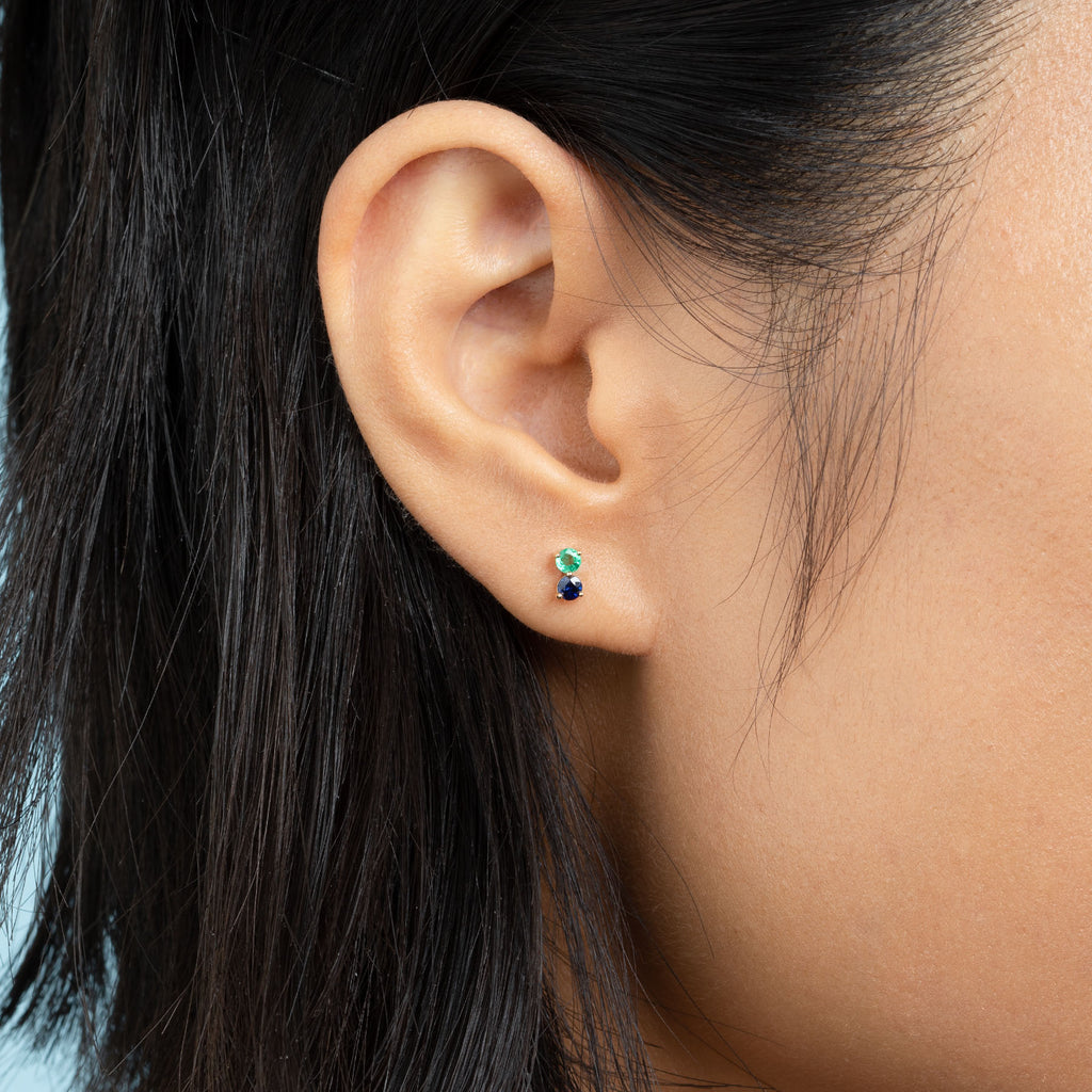 EMERALD AND BLUE SAPPHIRE PIERCING DOUBLE STUD EARRING
