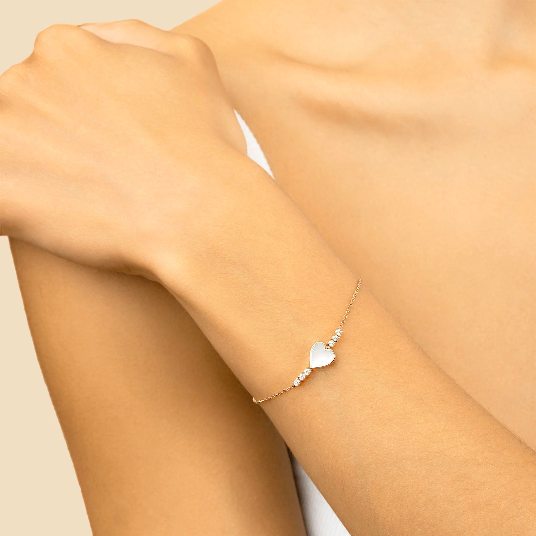 DIAMOND AND MOTHER OF PEARL HEART BRACELET