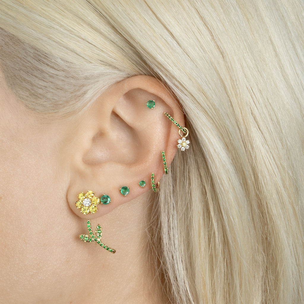 TSAVORITE MEDIUM HUGGIE EARRING