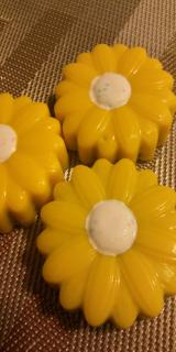 Chocolate Covered/Dipped Oreos - Daisy Sunflower Shape in Yellow and White mix