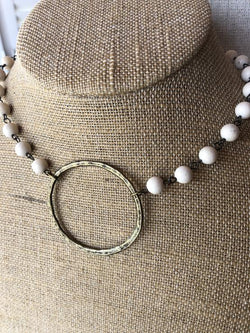 Funky Circle Necklace Cream