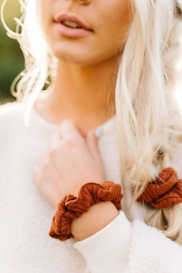 Rusty Ribbed Scrunchie