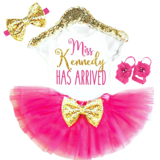 e2ded31cb1240 PERSONALIZED NEWBORN GIRL OUTFIT - Minnie Mouse Birthday Outfit