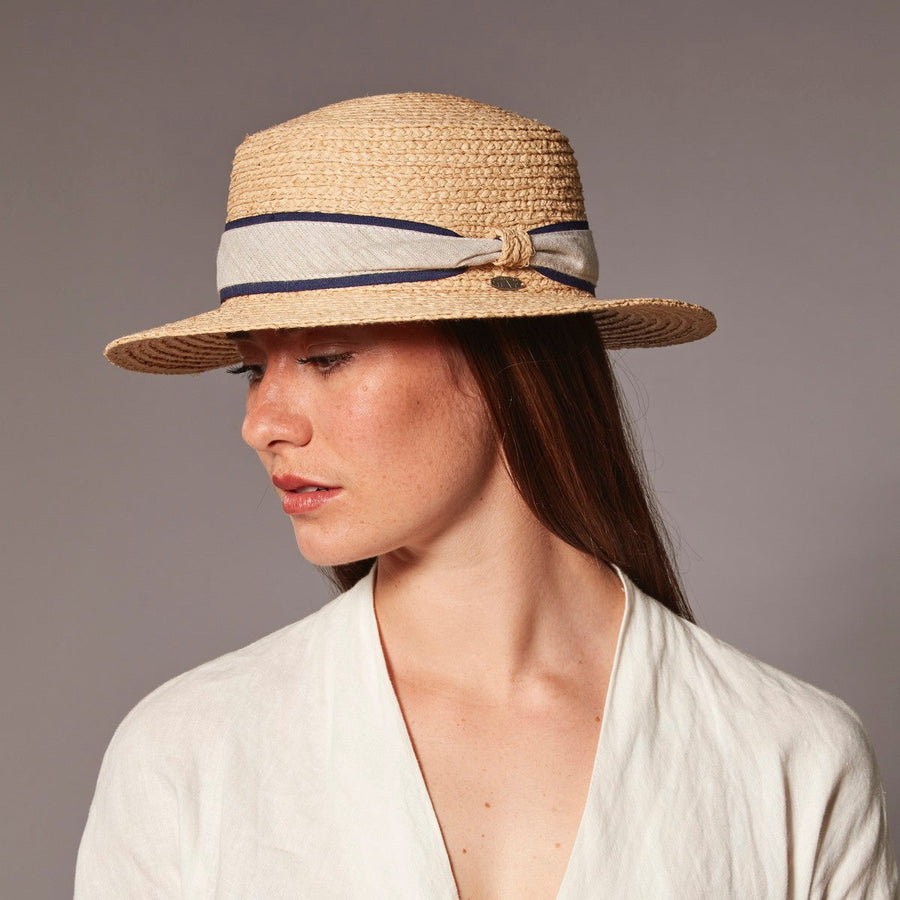 CECILE BOATER IN STRAW GOLF  4400 NATURAL O/S
