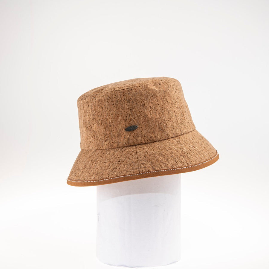 BUCK BUCKET HAT IN RECYCLED CORK