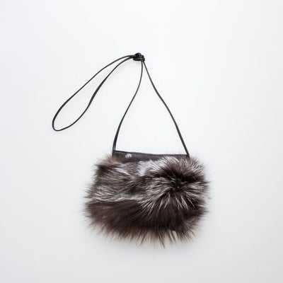 IPHONE POCKET HORIZONTAL WITH UPCYCLED FUR GOLF  7900 SILVER FOX O/S