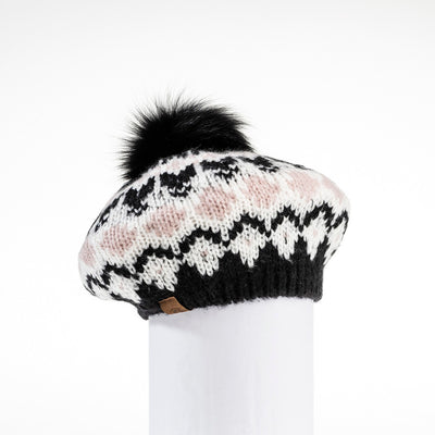 CHUNKY SKI KNIT BERET HAT WITH UPCYCLED FUR POM GOLF  2100 BLACK MIX O/S