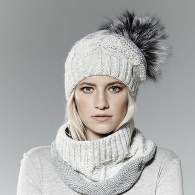 MIX KNIT BEANIE WITH UPCYCLED FUR POM