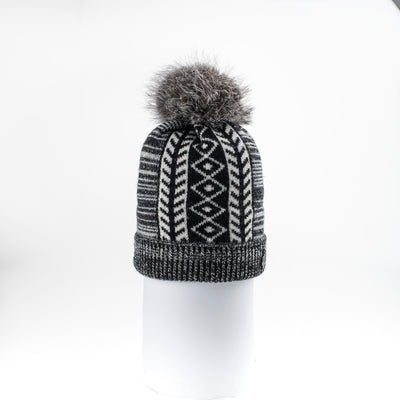 MIDDLE JACQUARD BEANIE WITH UPCYCLED FUR POM GOLF  2100 BLACK MIX O/S