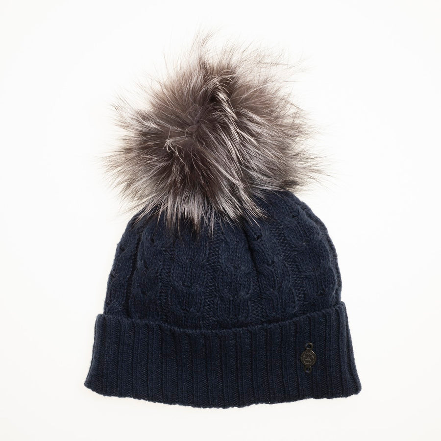 RECYCLED CASHMERE CABLE BEANIE WITH REUSED FUR POMPOM