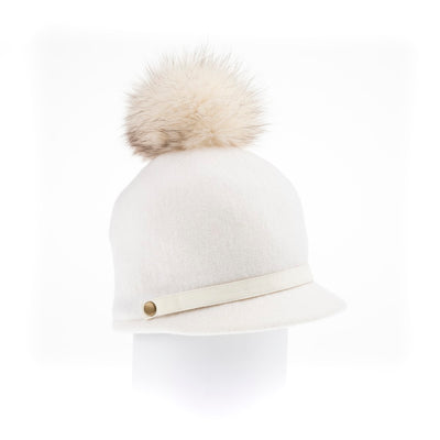 ORMOS POMPOM CAP HAT WITH SUEDE BAND AND AN UPCYCLED FUR POM GOLF  7500 WHITE O/S