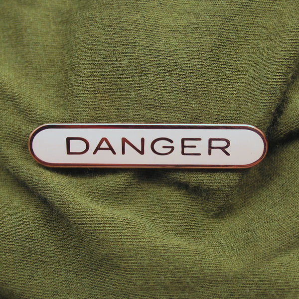 DANGER_pin_gray_square_web