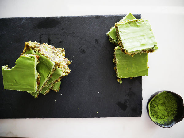 Nutty Matcha Chocolate Date Bars (no-bake!)