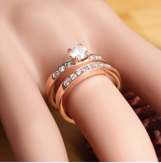 Eternity Rose 18K Separable Italina Zircon Ring