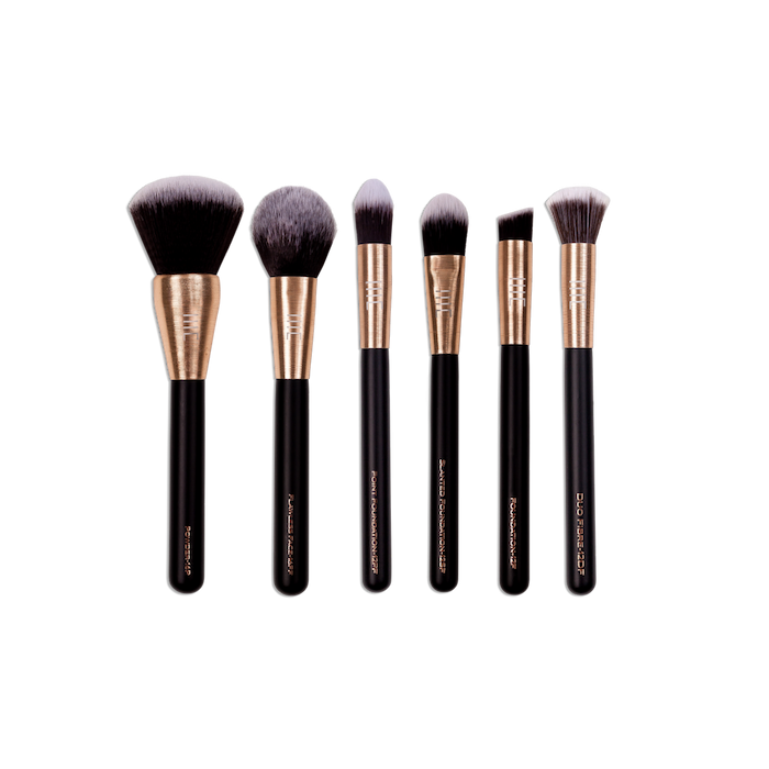 The Perfect Base Brush Set