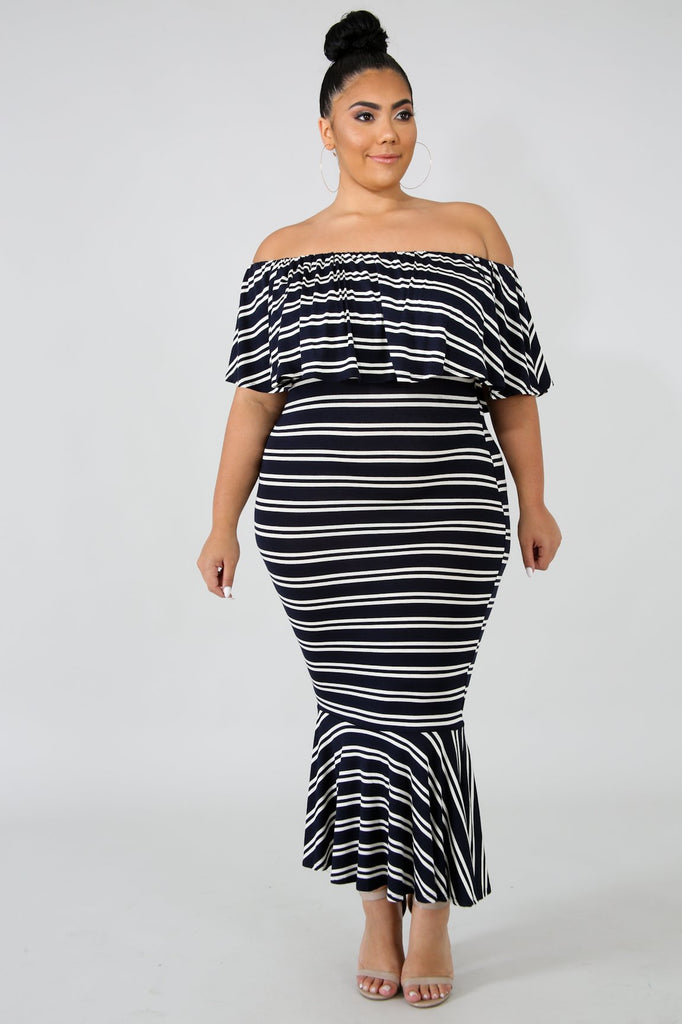 PLUS SIZE Navy Stripe Off The Shoulde Midi Dress