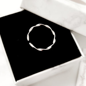 Twist Stacking Ring (Platinum and 18k Gold) - Thoughts Accessories