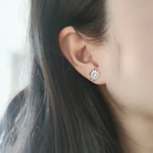 Daisy Earrings - Thoughts Accessories