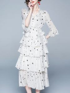 V-neck trumpet sleeves star print high waist cake dress