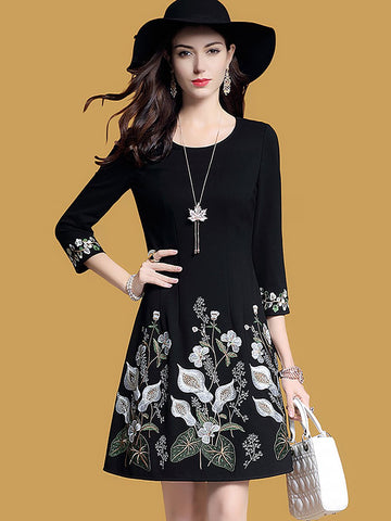Elegant Statement A-Line Floral Black Midi Dress