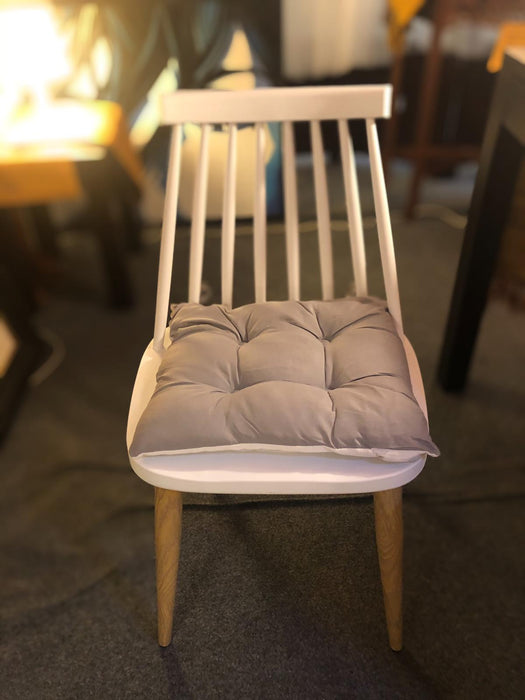 Scandinavian Chair with Wooden Legs ( Picture Illustration Colour for Reference Only ) ( White Colour )